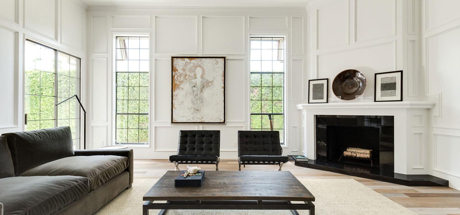 Blackand White Theme of Living Room